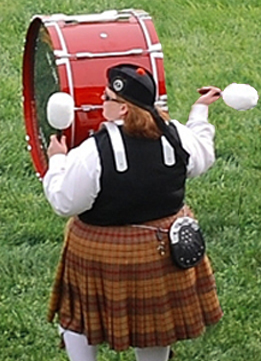 Linda bass drumming Fairhill 2007