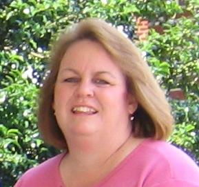 Linda headshot for Ebay bio (2)